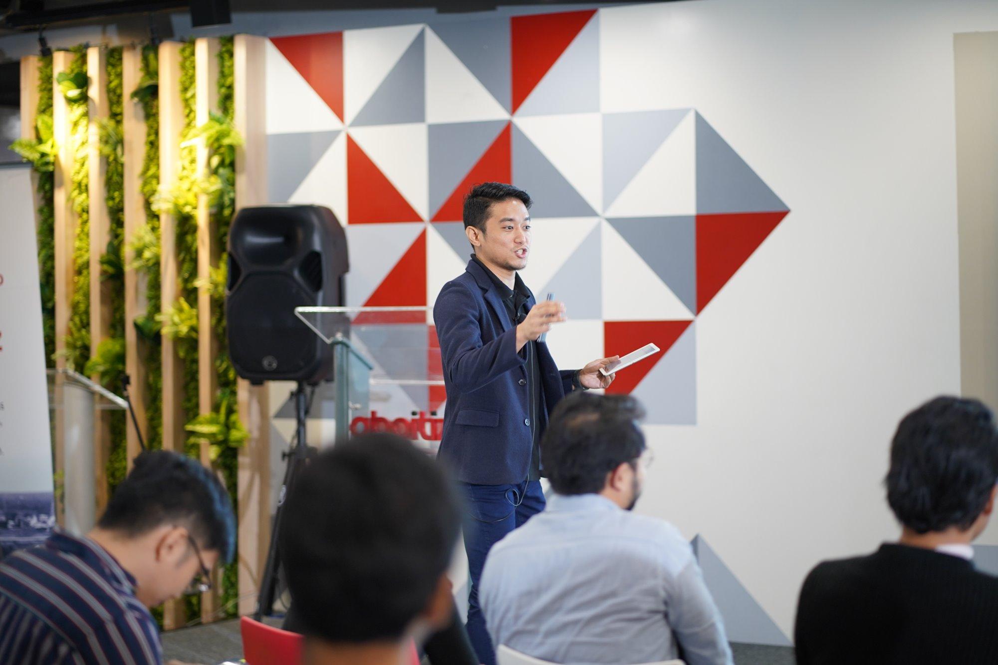 EN-DS-Blog-Socialize-Manila-Nov2019-JeffCape