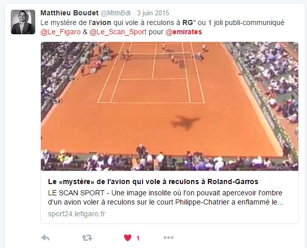 Tweet sur le mystérieux avion de Roland Garros